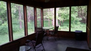 cabin-screened-in-porch
