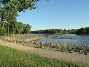 des-moines-river-below-red-rock-dam-horns-ferry-hideaway