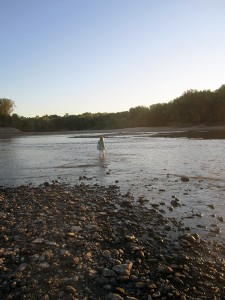 wading-des-moines-river-sunset-horns-ferry-hideaway